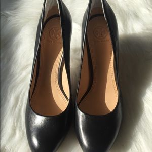Tory Burch  black  heels size 9